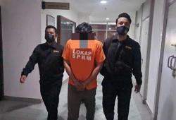Technician remanded over alleged RM100,000 bribe to cop