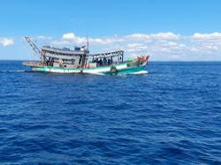 Two Vietnamese fishing boats, 15 crew members detained by Kudat MMEA