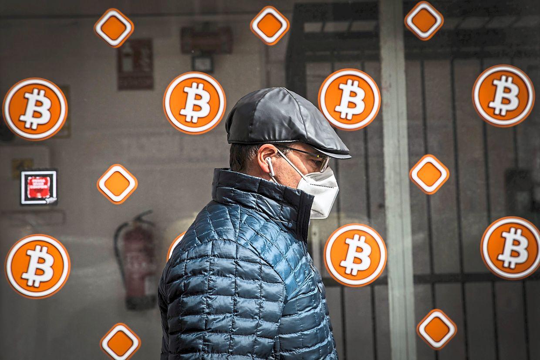 O mare bursă de bitcoin a preluat echipa unui start-up românesc