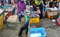 Barbed wire around three Seberang Prai markets found vandalised