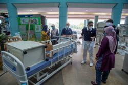 Tzu Chi donates ICU equipment to Sungai Buloh Hospital