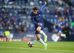 Soccer-Havertz gives Chelsea halftime lead in Champions League final