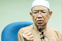 King and Queen convey condolences to family of late Perak mufti