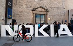 Daimler, Nokia call truce to end war over mobile patents