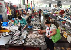 Quiet and slow day at wet markets and malls