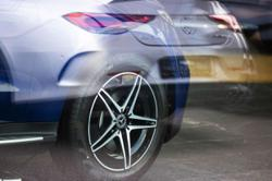 Daimler, Nokia end mobile tech war that threatened car sales