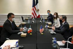 U.S., Mexico discuss migration, COVID-19 vaccines ahead of Harris visit