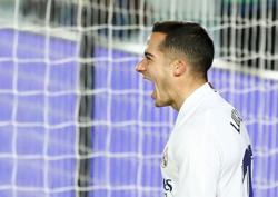 Soccer-Vazquez extends stay with Real Madrid