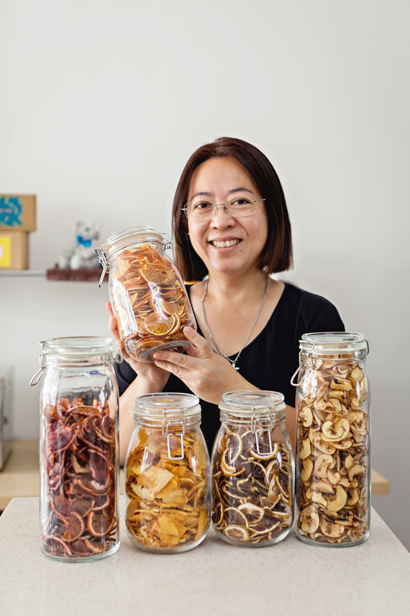 Rather than offering snacks with lots of sugar, salt, artificial flavors and preservatives, Lau hopes to encourage people to eat healthy snacks without artificial flavors, preservatives, salt or added sugar.  Photo: Francis Tan