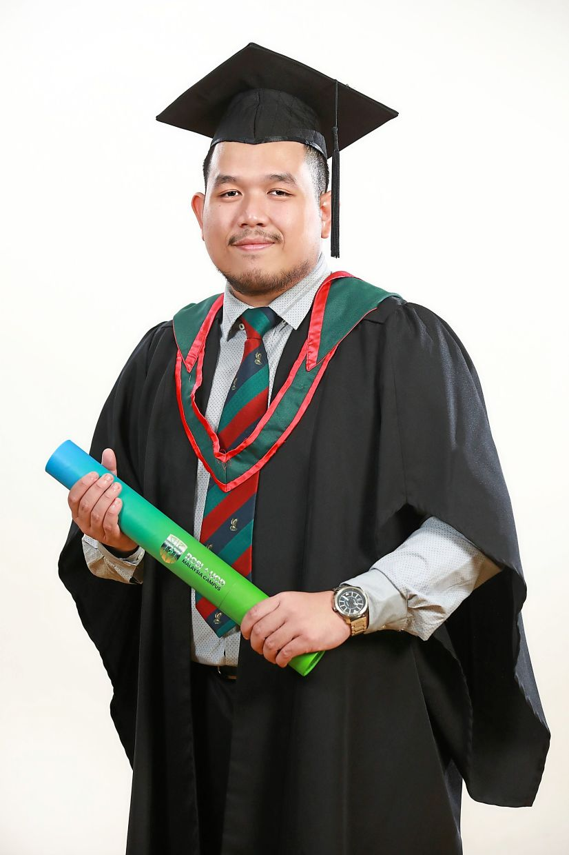 Muhammad Izhar says making it into the Dean's List is a strong motivation to believe in himself.