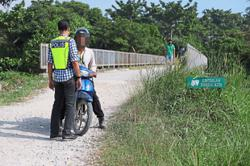 Three illegal routes blocked by police