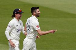 Cricket-England labour to draw with New Zealand in Lord's test