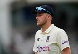 Cricket-ECB went 'over the top' by suspending Robinson, says UK minister