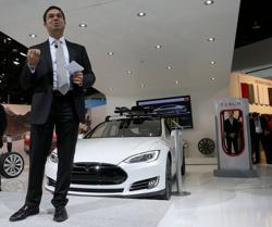 Tesla veteran and trucking chief leaves company