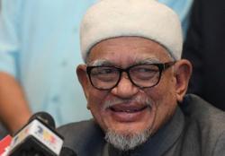 Hadi Awang in stable condition, says press sec