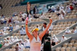 Tennis-Pavlyuchenkova outlasts Rybakina in Paris to reach first Grand Slam semi