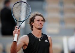 Tennis-Zverev canters into maiden French Open semi-final