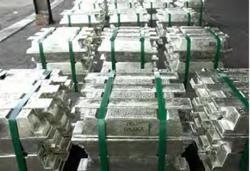 Copper treads water, Malaysian tin at 10-year-high