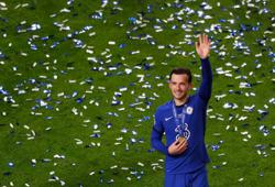 Soccer-Champions League final brought England's Chelsea, City players closer: Chilwell