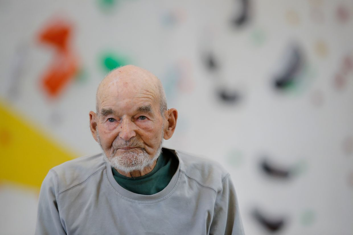 In 2017, at the age of 94, he conquered the Miroir de l'Argentine, a Swiss climbing classic with its 500m of limestone wall.