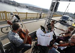 Budapest orchestra rocks a live classical concert from moving truck