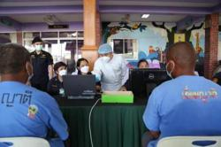 Justice minister kicks off vaccination in Covid-ravaged Thai prison system