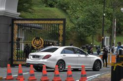 MIC president Vigneswaran leaves Palace after audience with King