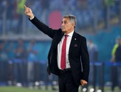 Soccer-Turkey's players, coach apologise for poor showing in Italy loss