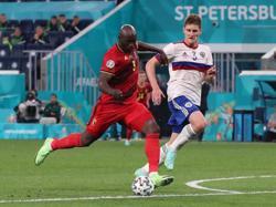 Soccer-Lukaku eases Belgium past Russia to kick off Euro 2020 campaign