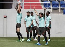 Soccer-Portugal must target Hungary win while being wary of full crowd