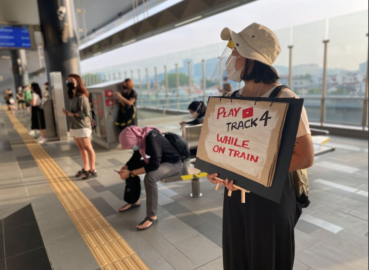 The 'In-Transit-ion' project takes commuters on an audiovisual journey through the different MRT stations. Photo: Orang Orang Drum Theatre