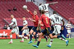 Beset by Covid-19 chaos, La Roja bullish for Swede opener