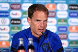 Soccer-Dutch team shocked by Eriksen collapse, coach De Boer says