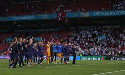 Soccer-Finns aim to strengthen bid to reach Euro knockout stage with win over Russia