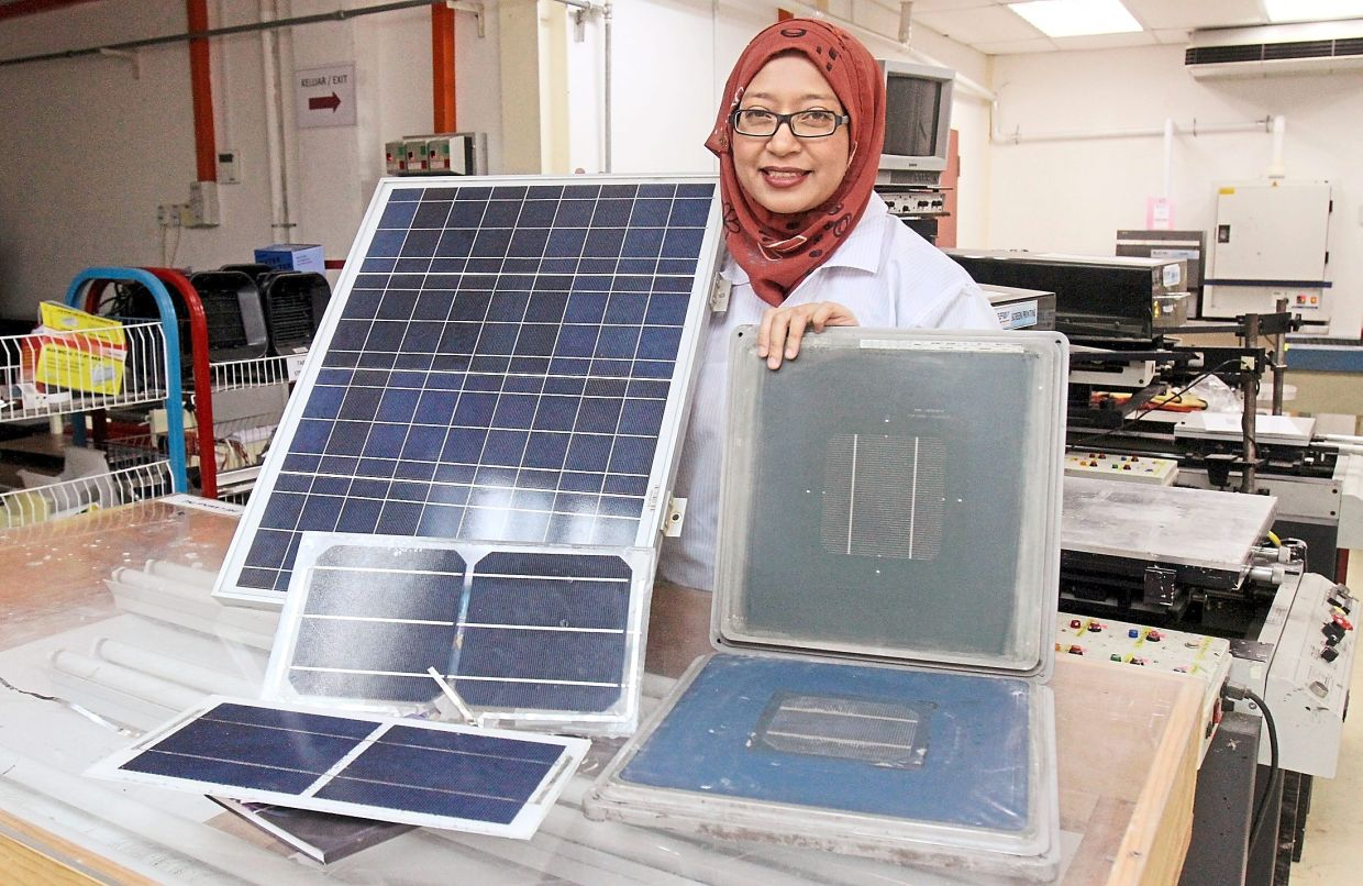 By installing solar panel systems in our home, we can conserve energy and do our part to reduce our carbon footprint, says Dr Suhaila. Photo: Filepic