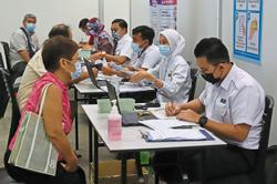 Extra boost for folk to get vaccine