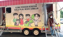 Mobile vaccination unit visits Felda settlers