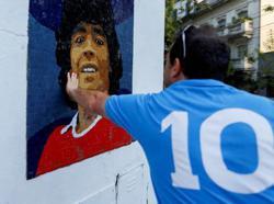 Soccer-Pre-trial hearings begin in Maradona death case