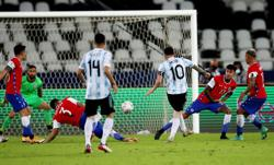Soccer-Messi free kick not enough as Argentina held to draw by Chile