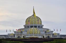 PM arrives at Istana Negara