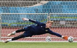 Russia coach says criticism deserved after tepid show