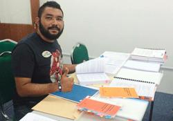 Umno Youth exco member denies he is blogger Papagomo