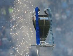 Soccer-Juve, Barca and Real admitted to Champions League next season