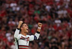 Analysis-Soccer-Doubts over Ronaldo dispelled as veteran comes up with the goods