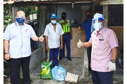 Food aid for needy under home quarantine in Pengerang