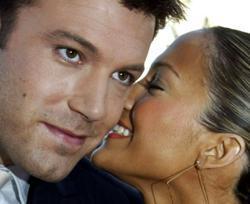 Jennifer Lopez, Ben Affleck pictured kissing as 'Bennifer 2.0' makes a comeback