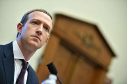 Facebooks Zuckerberg drops off top CEO list, Glassdoor says