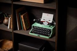 Need an inspiration or a distraction? This 'typewriter' can be both for writers