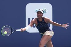 Tennis-Venus, Murray handed Wimbledon wild cards