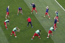 Soccer-Russia opt for new goalkeeper against Finland